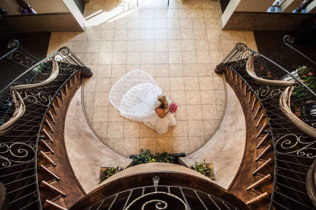 Ariel-view-bride-and-stairs_9527-1024x681