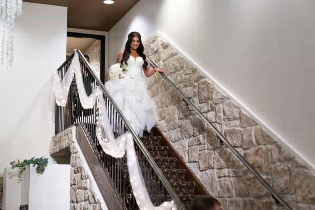 Bride-grand-entrance-06373--1024x683