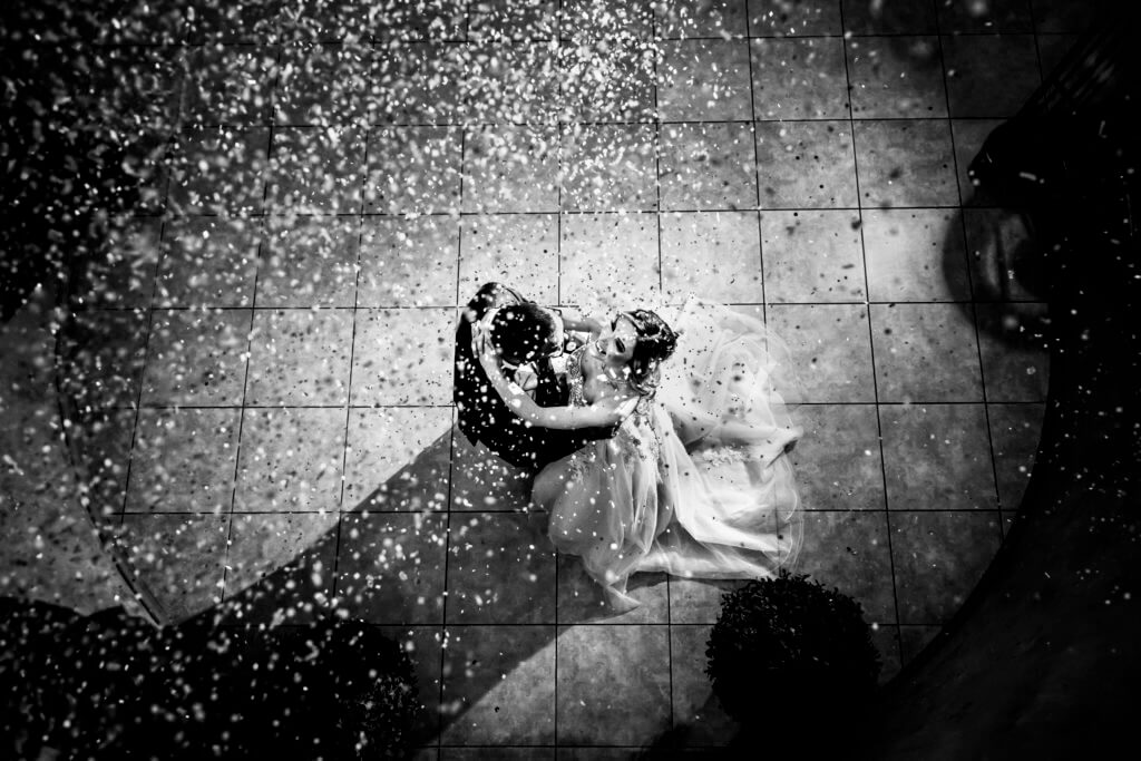 Confetti-explosion-bride-and-groom-D_D-491-1024x683
