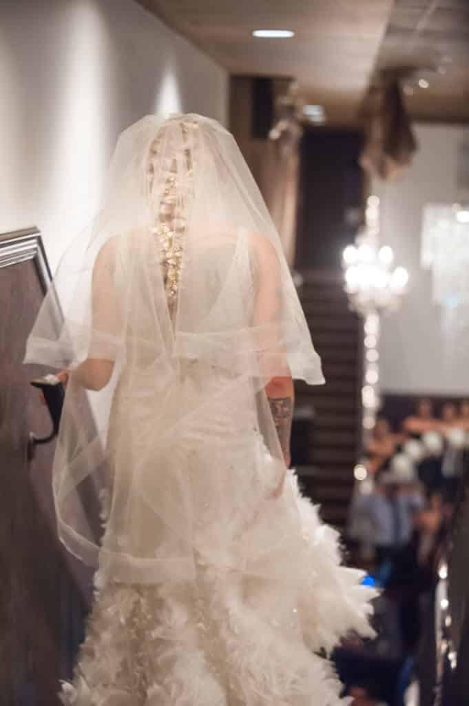 Dramatic-veil-brides-entrance_9767-681x1024