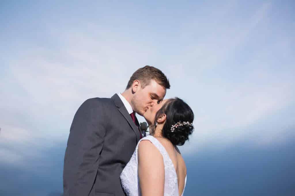 Gorgeous-Blue-sky-wedding-photo-P098-1024x682