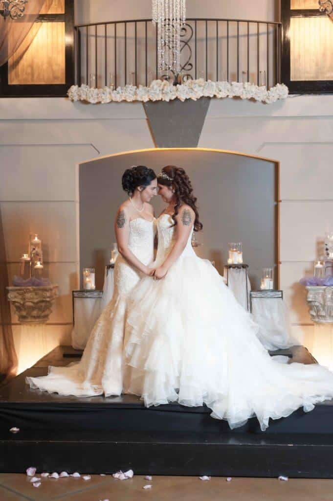 Romance-BD-Love-is-love-ceremony-AP18-mb--681x1024