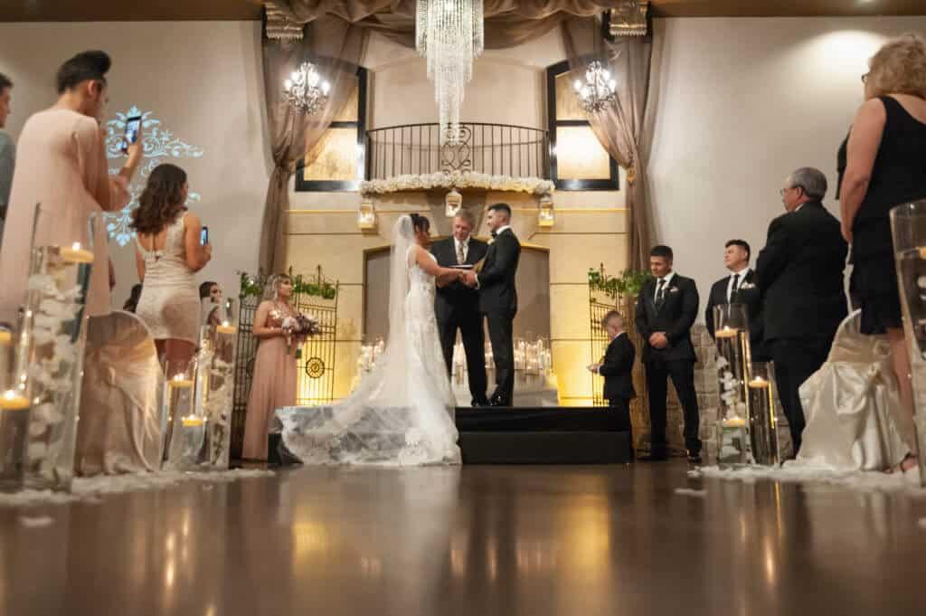 Rustic-romantic-wedding-ceremony_6056-1024x681