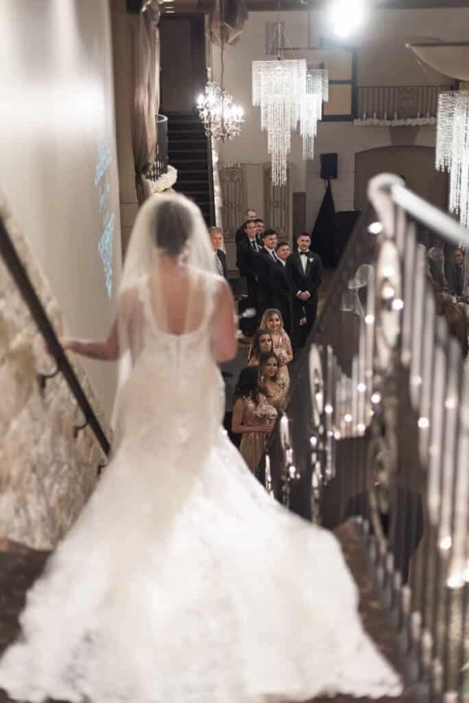 Spectacular-Bride-entrance_5707-684x1024