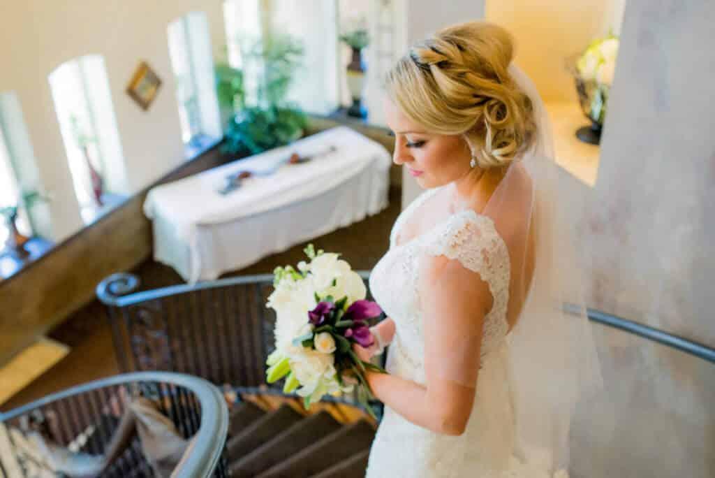 Stairs-stunning-bride-photo-5330--1024x684