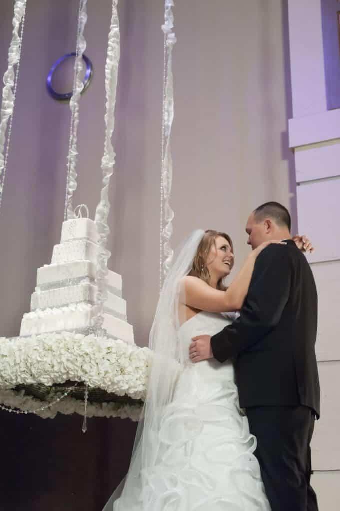 Suspended-wedding-cake-Bella-Sera-Event-Center-681x1024