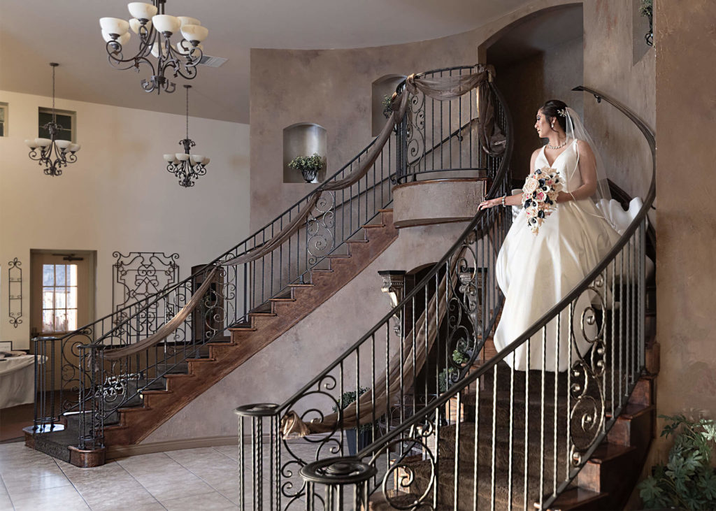 A-Stunning-Bride-on-Grand-Staircase-2020-1024x731