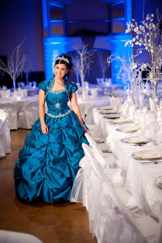 Blue-and-white-Quinceanera-winter-wonderland-decor-2912-681x1024