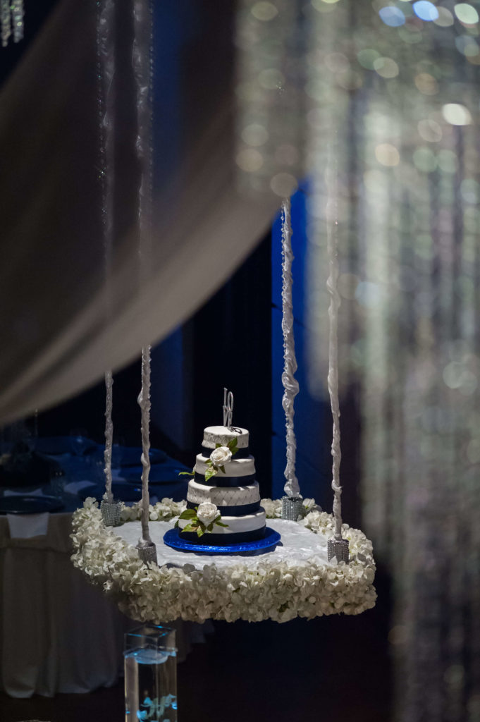 Dramatic-Hanging-Cake-Table-Bella-Sera-681x1024