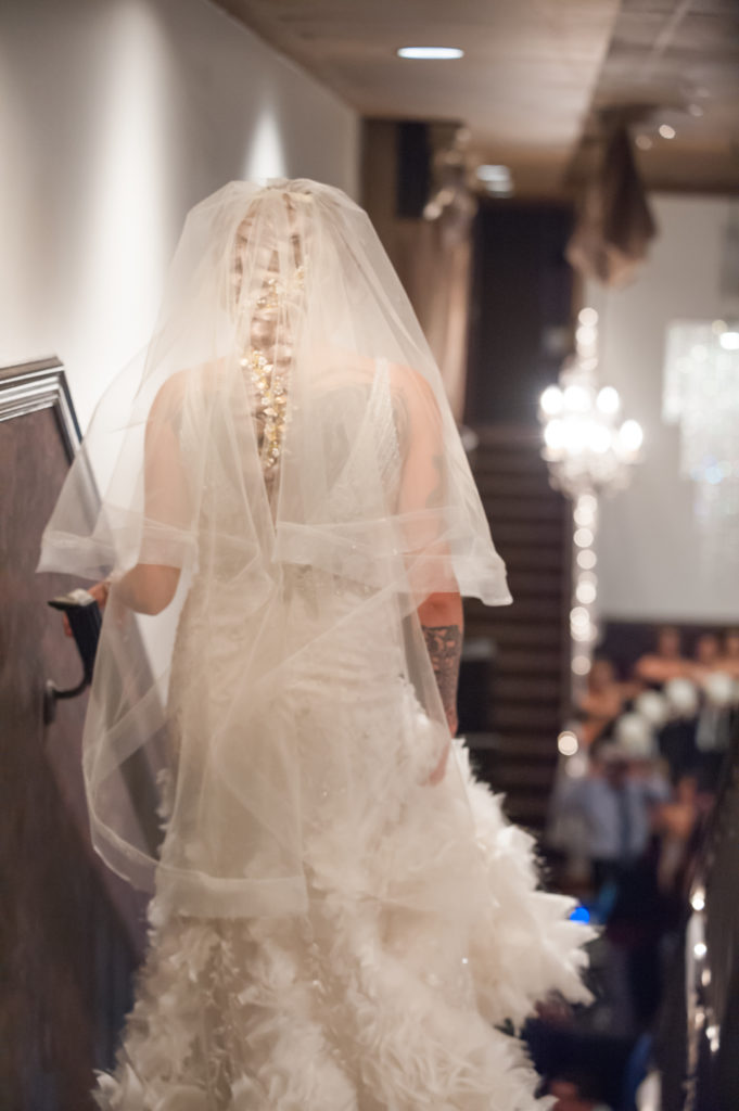 Dramatic-veil-brides-entrance_9767-681x1024
