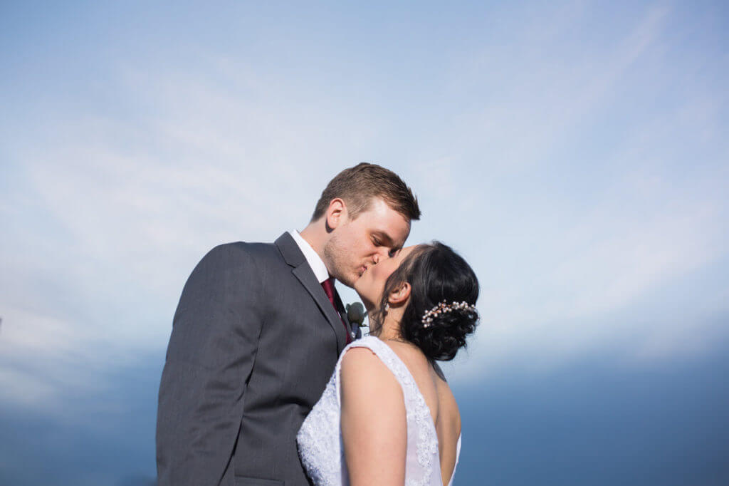 Gorgeous-Blue-sky-wedding-photo-P098-1024x682