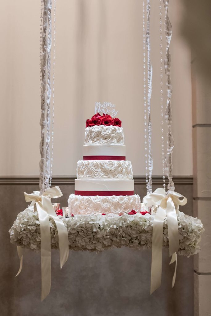 Hanging-cake-red-KR_5240-684x1024