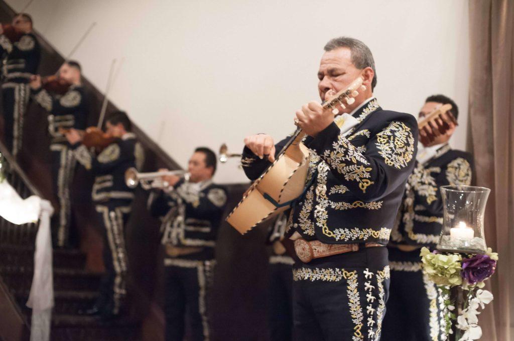 Quinceanera-mariachis-2014-04-21-13-15-sml-1024x681