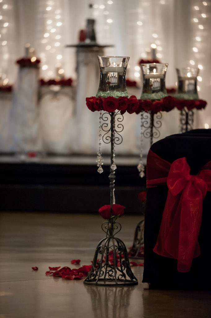Spectacular-red-and-black-wedding-ceremony-decor-Lindy-681x1024