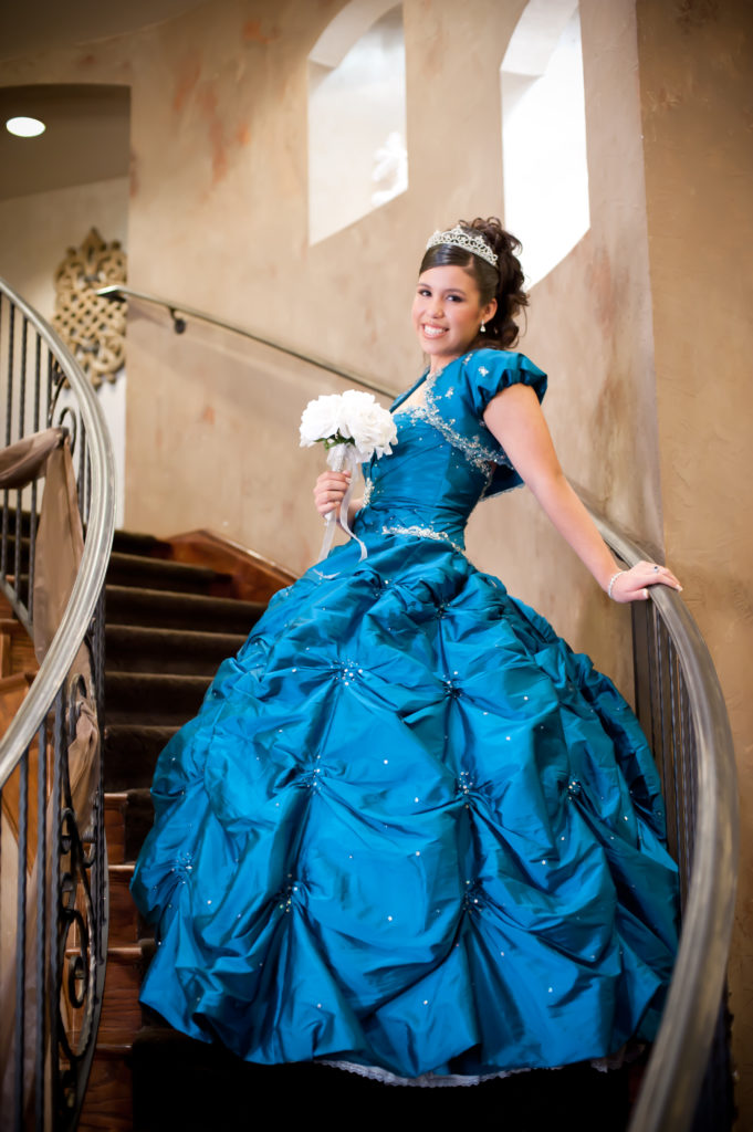 The-Quinceanera-girl-on-staircase-Liset-2965-681x1024